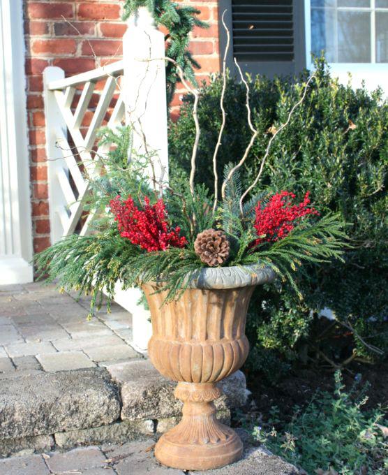 diy-christmas-planters-easy-outdoor-christmas-planters