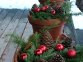 diy-christmas-planters-beautifully-festive-ways-to-decorate-your-porch-for-making-outdoor